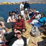 Grupo en Uros - Peru A TRAvel