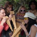 La alegría nunca falta - Peru A Travel