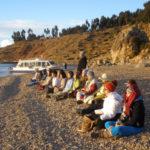meditando en el Titicaca - Peru A TRavel